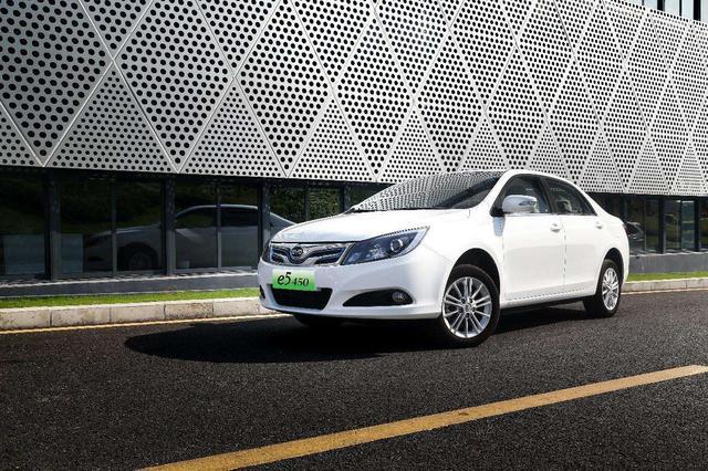 6月新能源车销量公布,不买燃油车的人,越来越爱选择这10款