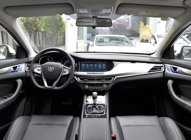 10万区间最具性价比家轿之一,配1.4T蓝鲸发动机,8月份售7484台