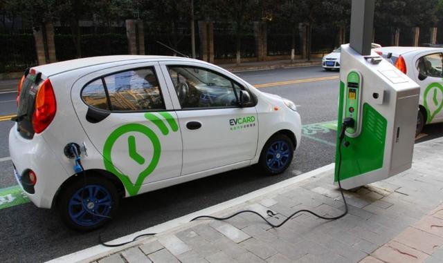 """第一批""""绿牌""""车换电池了,可看到价格,车主:不如换回燃油车!"""