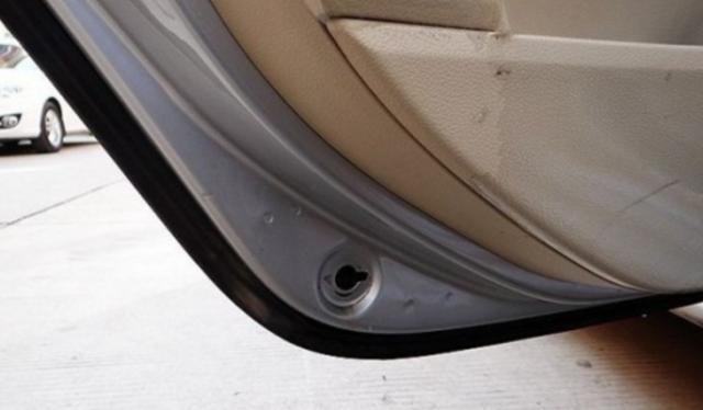 汽车上有5个排水口,你都知道在哪吗?若不及时清理,等着生锈吧