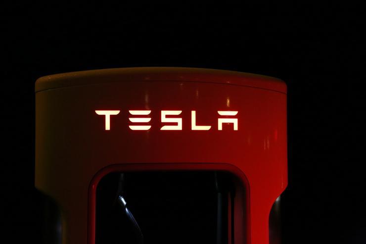 """2020新能源车销量:特斯拉龙头地位难撼动,五菱""""小车""""出奇迹"""